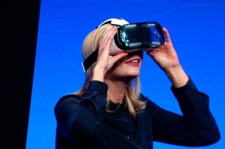Samsung unveils Gear VR Innovator - wearable virtual reality headset