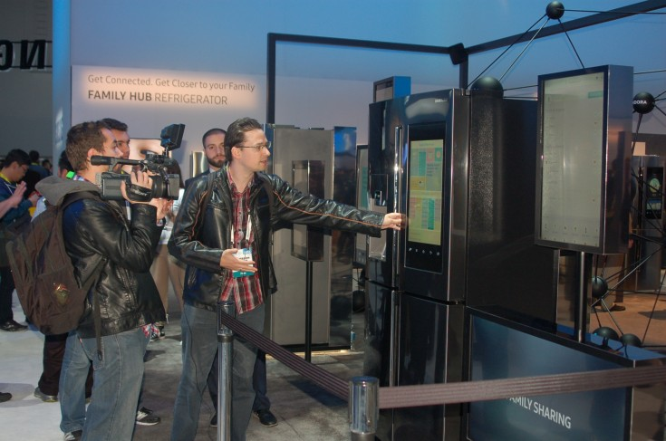 Refrigerators have never been smarter !; Samsung's 'Family Hub Refrigerator' shows what's in store