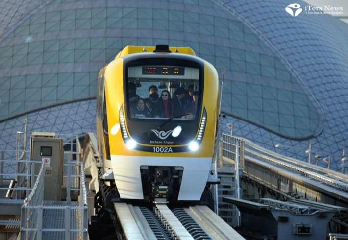 Korea's first magnetic levitation train is in service on a stretch of 6.1 km